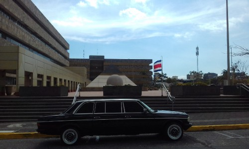 The-Supreme-Court-building-in-San-Jose-COSTA-RICA.-MERCEDES-300D-LANG-LIMOUSINA-TOURSa5c68f965af47d29.jpg